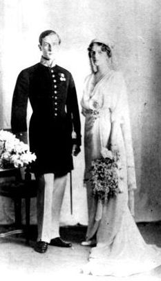 Princess Irina Alexandrovna (1895-1970), and Prince Felix Yusupov (1914, S.Petersburg). Princess Irina Alexandrovna of Russia was the only daughter of Grand Duke Alexander Mikhailovich and Grand Duchess Xenia Alexandrovna of Russia. She was also the only niece of Tsar Nicholas II, and the wife of the wealthy Prince Felix Yussupov, one of the men who murdered the starets Grigori Rasputin in 1916.