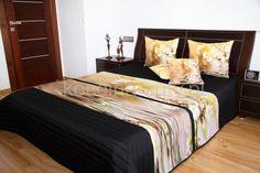 Narzuta na łóżko do sypialni koloru czarnego z beżowym konarem