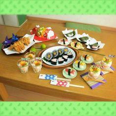『行事ママ5月号』こどもの日レシピ(1) こいのぼり握り、かぶとあげ | あんふぁんWeb Children's Day Japan, Japanese Party, Kids Menu, Child Day, Baby Food Recipes, Mexican, Pudding, Ethnic Recipes, Desserts