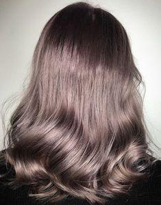 O noua NUANTA DE SATEN va domina anul 2019Beauty Revealed.ro Blond, Long Hair Styles, Beauty, Long Hairstyle, Long Haircuts, Long Hair Cuts, Beauty Illustration, Long Hairstyles, Long Hair Dos