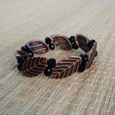 Pulseiras bronzeadas   conheça nossa linha de pulseiras brincos e colares artesanais... Mais informações pelo nosso whats: 13982166299