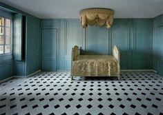 Salle de Bain, Marie-Antoinette, R.D.C. Cord Central, Versailles by Robert Polidori