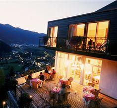 Haus Hirt - Der Klassiker unter den kinderfreundlichen Boutique Hotels an den Wanderrouten Bad Gasteins. Wandern und Berge mit Kindern und allem Komfort.