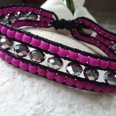 Bracelet tissé en perles à facettes miroir et néon mauve