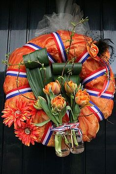 View the photo of LadyAnnOriginal with the title Krans voor Koningsdag Nodigâ . View the photo of LadyAnnOriginal with the title Wreath for King& Day Required…natural egg wreathI found my home: Beginning of an atmospheric mon. Kings Day, Berry Wreath, National Holidays, Easter Wreaths, Decor Room, Berries, Crafty, Fall, Shabby