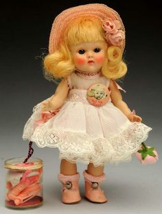 "Lot # : 114 - Vogue ""Ginny"" Doll."