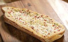 MAGGI Rezeptidee fuer Gefülltes Raclette Brot