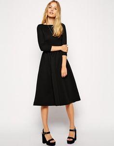 Приталенное платье миди из фактурной ткани ASOS