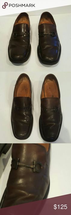 FERRAGAMO MENS 10.5 BROWN LEATHER DRESS SHOES FERRAGAMO MADE IN ITALY MENS SIZE 10.5 BROWN LEATHER HORSEBIT LOAFER VINTAGE STYLE PENNY LOAFER DRIVING LEATHER SHOES LEATHER SOLES Plenty of life left Signs of wear  BEautiful and highly sought after Ferragamo Shoes Loafers & Slip-Ons