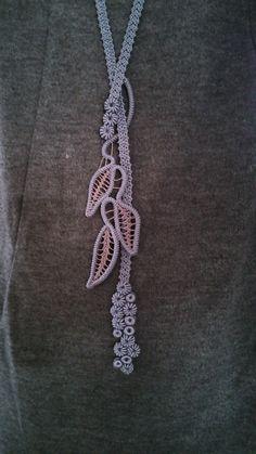 Point Lace Crochet necklace by Hitsuzi at http://www.tsurumo.net/blog/