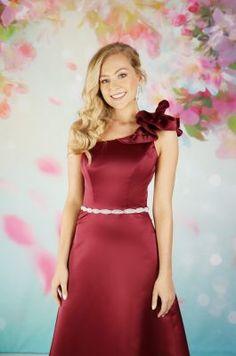 EB7632 | Emma Bridals Thanksgiving Wedding, Christmas Wedding, Bonfire Night Wedding, Designer Flower Girl Dresses, Whimsical Wedding Inspiration, Bridesmaid Dresses, Wedding Dresses, Bridal Gowns, Girls Dresses