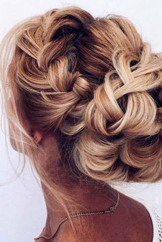 A Little Bit Messy Prom Hair Updos 4