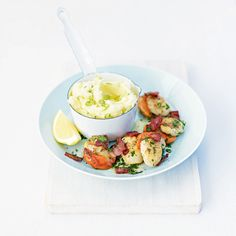Scallops and bacon with spring onion mash recipe Shellfish Recipes, Seafood Recipes, Dinner Recipes, Lemon Potatoes, Creamy Mashed Potatoes, Spring Onion Recipes, Mash Recipe, Scallop Recipes, Bacon Recipes