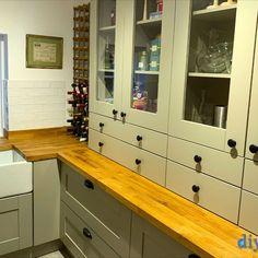 An Innova Clayton Dakar Shaker Kitchen