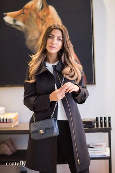 Coatally is a brand new concept in smart fashion. You change the sleeves, collar, and details to fit any occasion in all seasons. Project 333, Scandinavian Fashion, Femininity, Timeless Fashion, Coats For Women, Sustainability, Chanel, Classy, Brand New