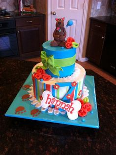 like the stripes and name bone on this scooby dooby doo cake