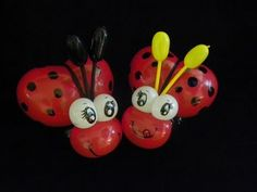 COMO HACER UNA CATARINA O MARIQUITA.- HOW TO MAKE A LADYBUG Butterfly Balloons, Balloon Flowers, Heart Balloons, Balloon Hat, Love Balloon, Easy Balloon Animals, Fruit Animals, Ballon Decorations, Balloon Modelling