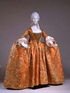 Robe a la Francaise 1740