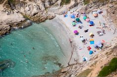 Photographer Gray Malin has shot a series of stunning beach scenes from a doorless helicopter.