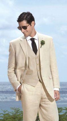 #noivo em fato de linho claro bege, perfeito para casar na #praia num dia de calor #casarcomgosto