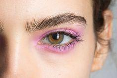 Pastel eyeshadow at Jill Stuart Spring/Summer 2016