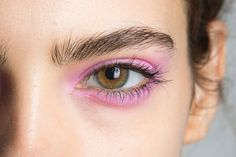Pastel eyeshadow at Jill Stuart Spring/Summer 2016