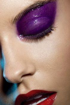 Purple eyeshadow - Glossy make-up Makeup Inspo, Makeup Art, Makeup Inspiration, Beauty Makeup, Eye Makeup, Face Beauty, Glossy Lids, Glossy Makeup, Dramatic Makeup