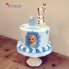Frozen for Alycia - Cake by Naike Lanza Torte Frozen, Frozen Doll Cake, Frozen Party Cake, Bolo Frozen, Disney Frozen Cake, Disney Cakes, Party Cakes, 4th Birthday Cakes, Frozen Birthday Cake