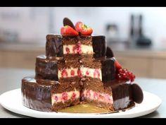 Gâteau d'anniversaire au chocolat à étages - HerveCuisine.com Amazing Chocolate Cake Recipe, Best Chocolate Cake, Sweet Recipes, Cake Recipes, Torte Recepti, K Food, Different Cakes, French Desserts, Christmas Snacks