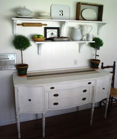 Annie Sloan Chalk Paint in Pure White and then distressed it,
