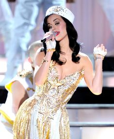 """Katy Perry in The USO Presents """"VH1 Divas Salute The Troops"""" - Show"""