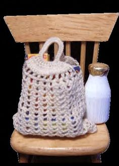 how to: crocheted shopping bag by Gail St. Clair (AIM #37, page 64)