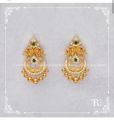 Creativity in handcrafted jewelry, having a blend of the old and new catering to both traditional and contemporary jewellery, with its core strength being design. Pearl Necklace Designs, Jewelry Design Earrings, Gold Earrings Designs, Gold Jhumka Earrings, Gold Bridal Earrings, Gold Necklace, Antique Jewellery Designs, Gold Ring Designs, Gold Rings Jewelry