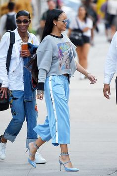 Weekend outfit inspiration from Rihanna #streetstyle #sportswear