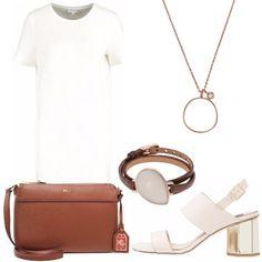 Vestito bianco maniche corte, scollo tondo, dal taglio minimal, sandali in finta pelle con tacco largo, tracolla Ralph Lauren marrone, collana con pietra bianca, bracciale di cuoio, che riprende la borsa, e pietra chiara.