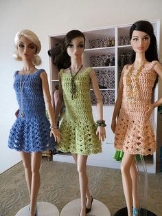 Our wood barbie dolls residential home compilation has got a choice of different varieties and dimensions, our wood barbie dolls residences are fantastically detailed with visuals inside and outside. Crochet Doll Dress, Crochet Barbie Clothes, Girl Doll Clothes, Barbie Sewing Patterns, Doll Clothes Patterns, Clothing Patterns, Barbie Dress, Barbie Doll, Crochet Fashion