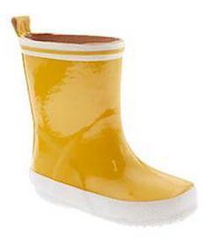 Paddington Bear Rainboots!! http://rstyle.me/n/ethvhnyg6
