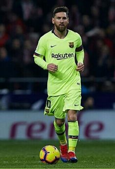 Leo messi is the best Lionel Messi, Messi 10, Best Football Players, Soccer Players, Yoga Fitness, History Of Soccer, Barcelona, Best Club, Football Wallpaper