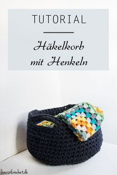 Tutorial: XXL Häkelkorb mit Henkeln Tutorial: XXL crochet basket with handles Knitting Blogs, Knitting Stitches, Baby Knitting, Knitting Patterns, Start Knitting, Knit Crochet, Crochet Hats, Sock Yarn, Knitting For Beginners