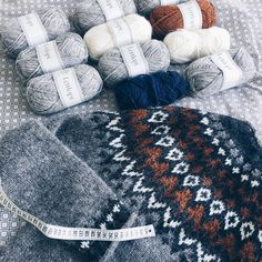 Icelandic Sweaters, Knitting Projects, Diving, Knitted Hats, Winter Hats, Barn, Instagram, Happy, Fashion