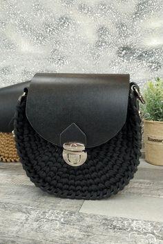 Τσαντάκι χειροποίητο πλεκτό 'Eva' Μαύρο Womens Purses, Chanel, Shoulder Bag, Classic, Bags, Fashion, Derby, Handbags, Moda