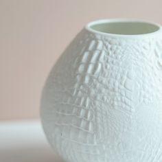 Vintage Vasen - Vintage Deutsche Biskuit Porzellan Vase AK Kaiser - ein…