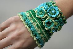 Green turquoise crochet bracelet with crocheted door ellisaveta