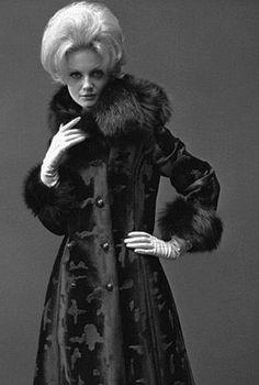 Twiggy in fur photo John French 1963