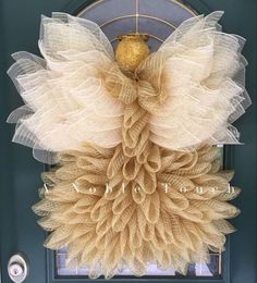 Best 12 Beautiful Angel Wreath Tutorial by A Noble Touch! This video tutorial will walk you through putting together a Angel wreath, once finished using conventional wreath making materials. Materials not included, but a supply list is provided. Christmas Wreaths To Make, How To Make Wreaths, Holiday Wreaths, Christmas Fun, Christmas Decorations, Christmas Ornaments, Winter Wreaths, Spring Wreaths, Summer Wreath