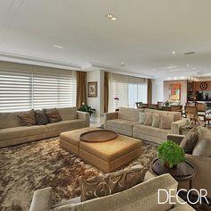 Projeto de interiores é atemporal, integrado e mistura estilos. Veja mais em www.revistadecor.com.br