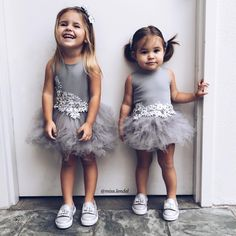 little girl fashion Little Kid Fashion, Cute Kids Fashion, Toddler Fashion, Boy Fashion, Fashion Shoes, Cool Kids Clothes, Kid Styles, Toddler Girl, Girl Outfits