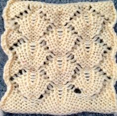 Scales-stitch (purl side) - inspired by an Armani (? Knitting Wool, Knitting Stitches, Hand Knitting, Knitting Machine Patterns, Knit Patterns, Edge Stitch, Slip Stitch, Tunisian Crochet, Le Point