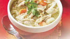 Învaţă să prepari o prăjitură pufoasă din griş ca în mijlocul Orientului. Mod de preparare: 1. Se pune la fiert laptele cu zahărul şi, când dă în clocot, se reduce focul şi se toarnă grişul. Se amestecă şi se lasă la fiert pentru 15 minute. 2. Se lasă un pic să se răcorească şi se … Romanian Recipes, Romanian Food, Pavlova, Thai Red Curry, Ethnic Recipes