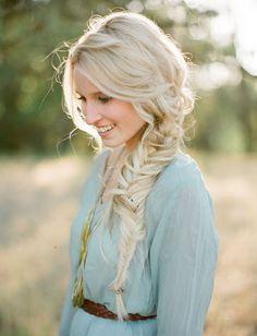 Wedding Trend We Love: Bridal Braids - loose side braid Cute Haircuts, Haircuts For Long Hair, Popular Haircuts, Long Hair Cuts, Summer Hairstyles, Wedding Hairstyles, Long Hair Styles, Wavy Hair, Stylish Haircuts
